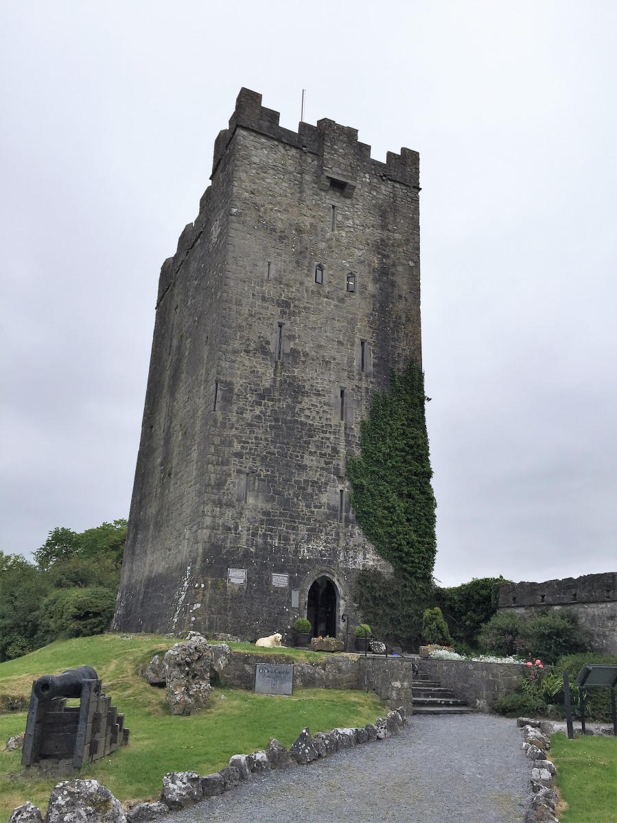 Ireland| County Clare | Dysert O'Dea Castle
